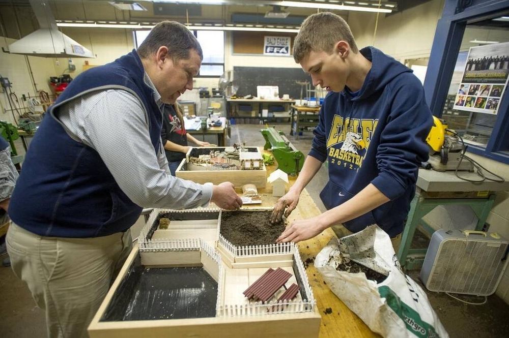 High school to host state ag showcase, includes visit from Ag Secretary Russell Redding