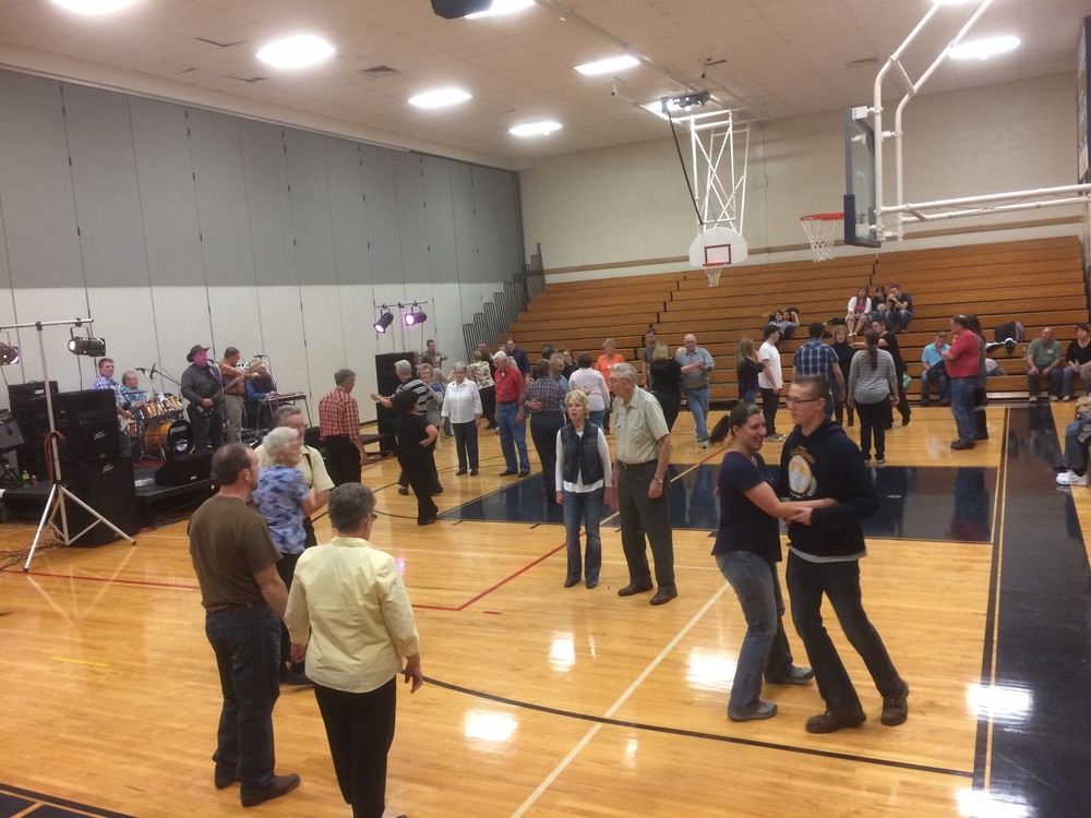Old-fashioned square dance event to support FFA